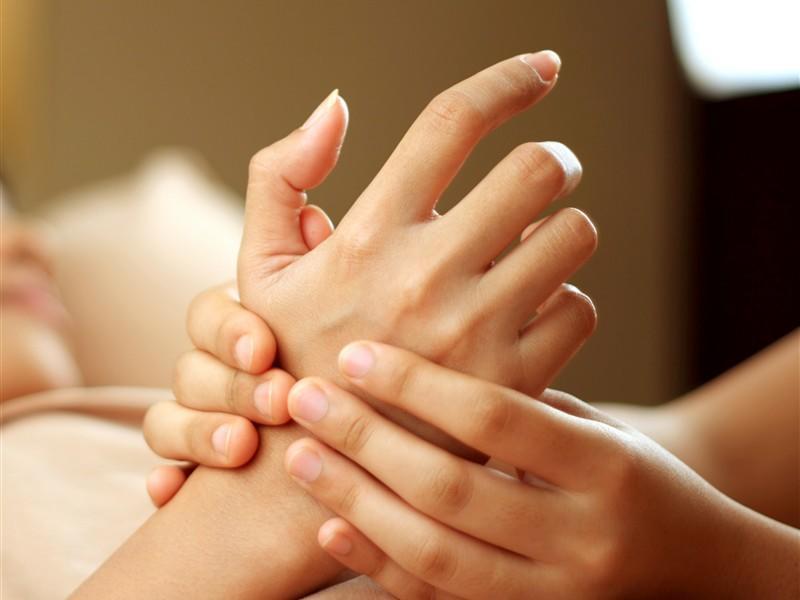 ATDW_Large_Landscape__9264955_CB30_hand_massage
