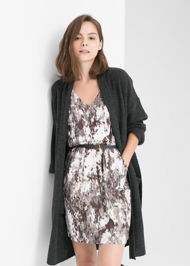 Платье с камуфляжным принтом, 2699 руб.