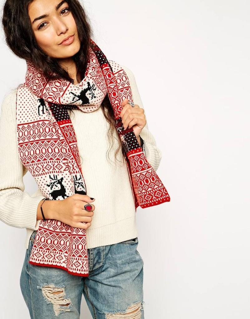 Рождественский шарф с традиционным узором Фэйр-Айл и оленями ASOS, 1200 руб.
