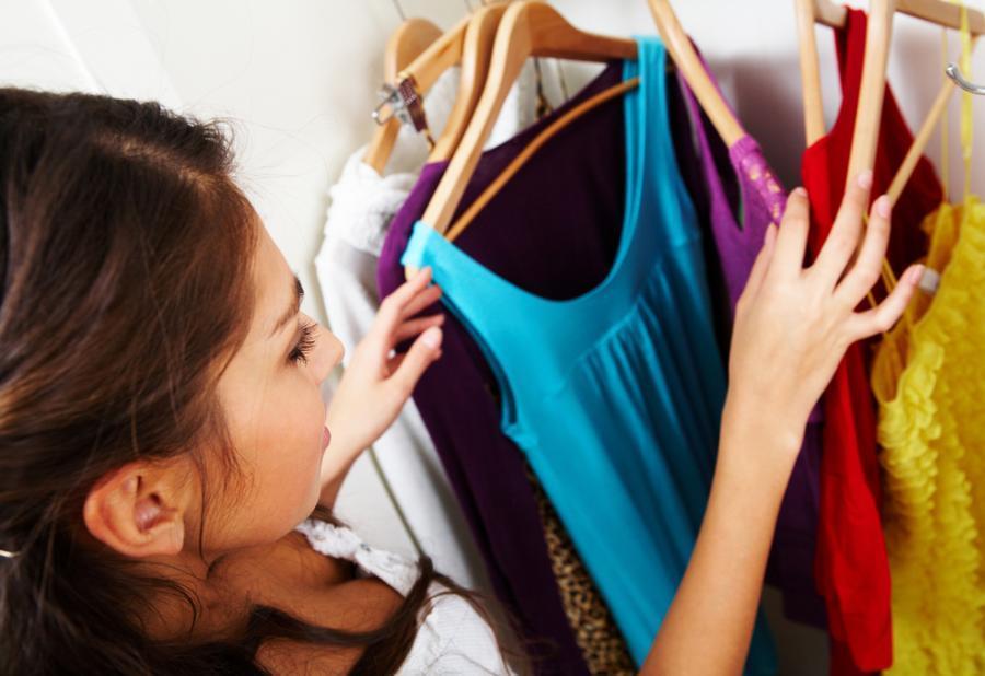 3908680-garderoba-kobiety-900-618