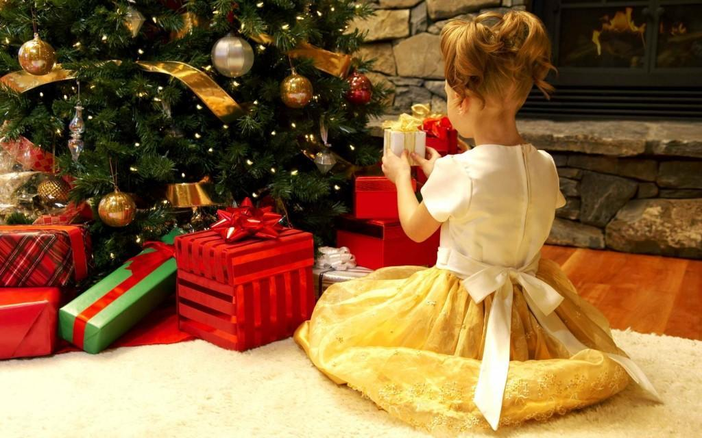 Christmas-And-Happy-New-Year-2012-07-1800x2880
