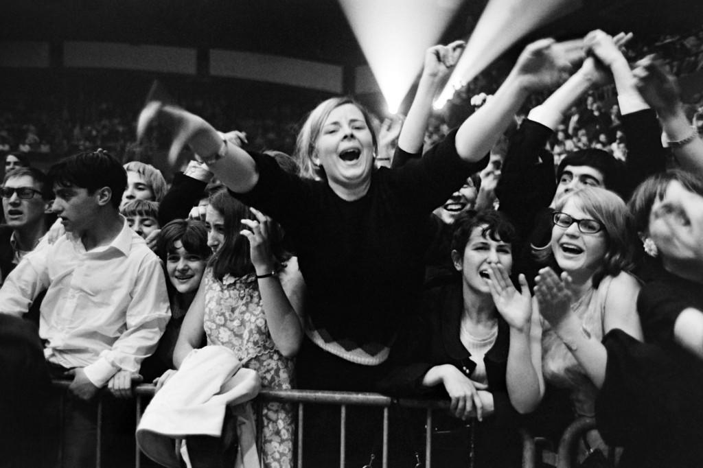 French fans wait for the Beatles during