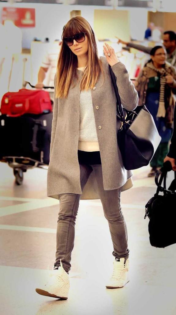 jessica_biel_frauer_mantel_adidas_sneaker__large