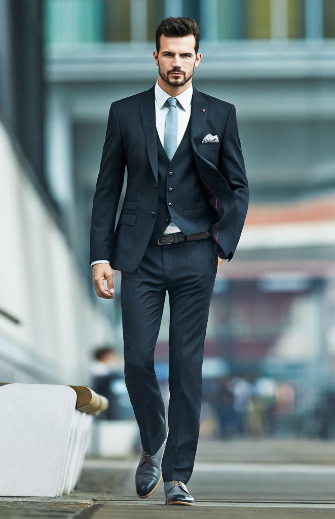 perfectly_styled_01_r_01_suit_business