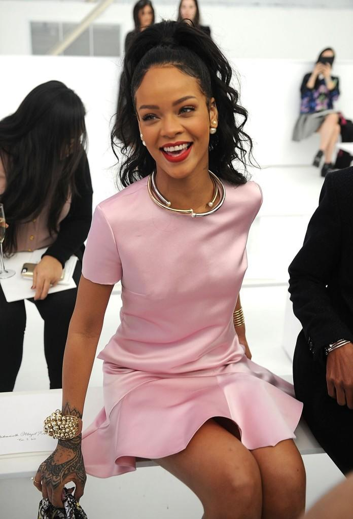 rihanna-dior-cruise-2015-fashion-show-may-2014_5
