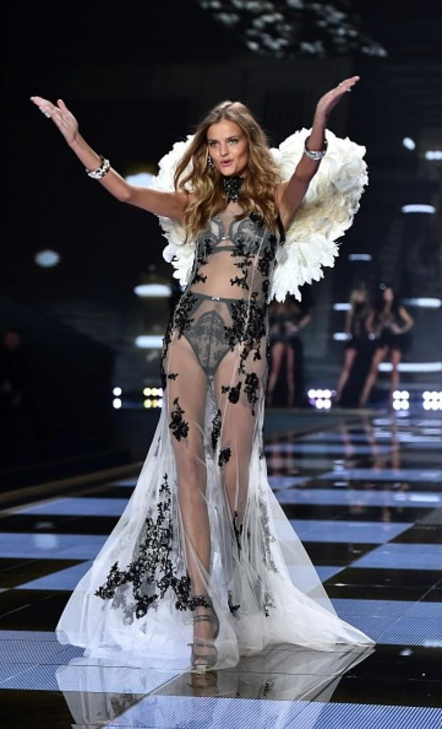 01_2014_victorias_secret_fashion_show