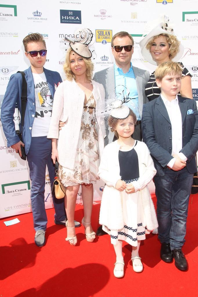 09 Мария Максакова с семьей