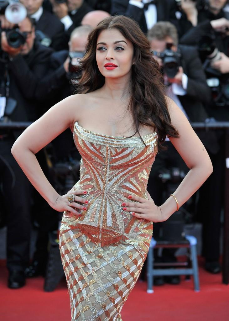 aishwarya-rai-at-cannes-film-festival-2014-8