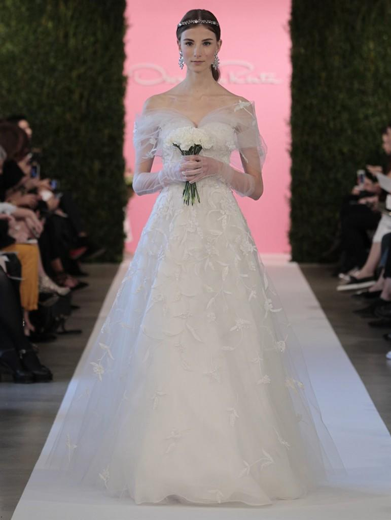 1397821988_collection_of_oscar_de_la_renta_bridal_spring_summer_2015_20
