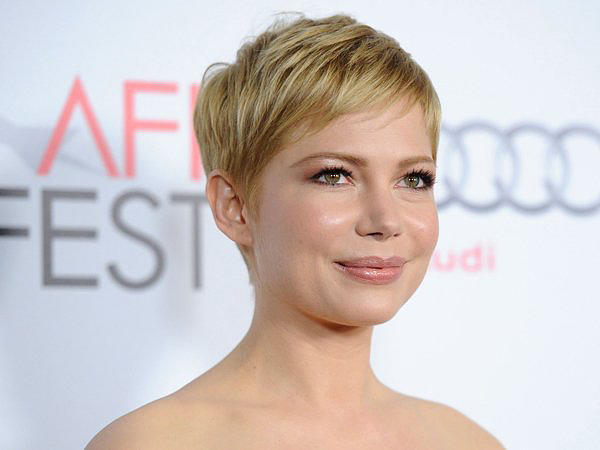 Michelle-Williams-Pixie-Hair-Cut-In-Beige-Tone
