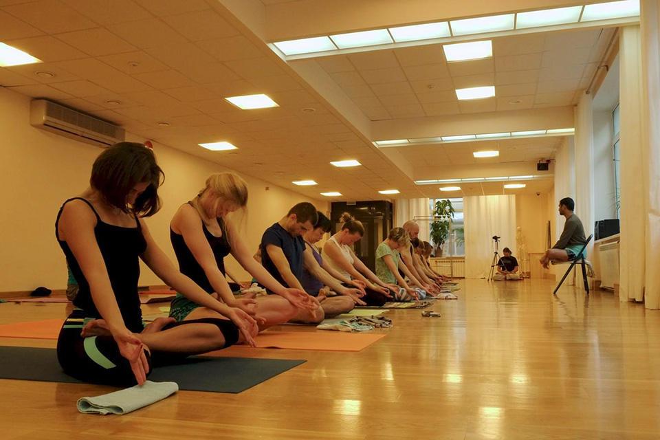 Ashtanga-yoga-school-Moscow