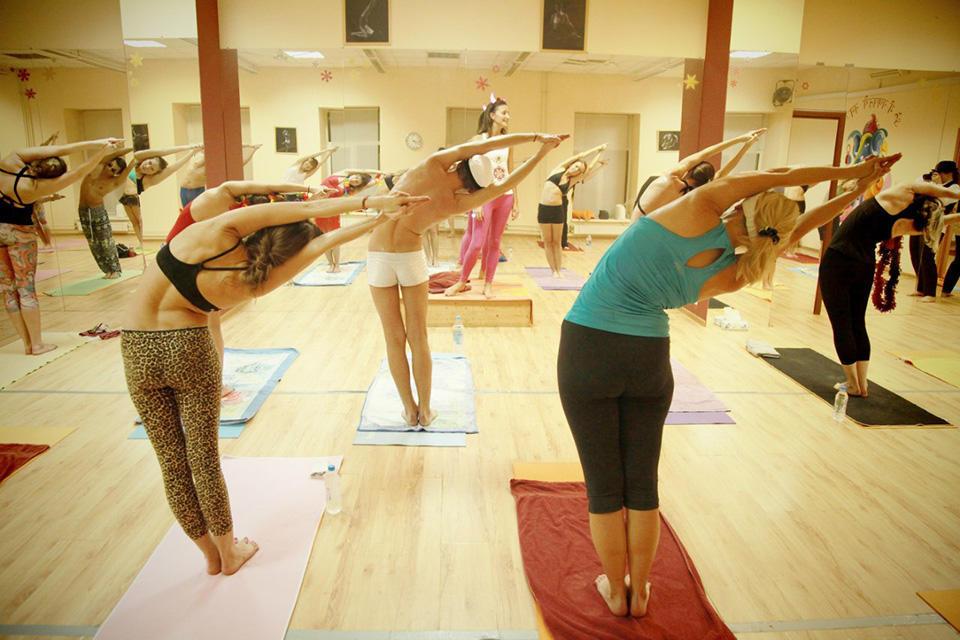 Bikram-yoga-Moscow
