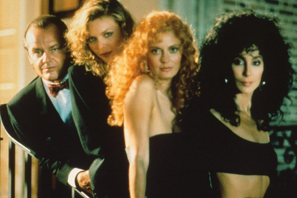 kinopoisk.ru-The-Witches-of-Eastwick-936050-1