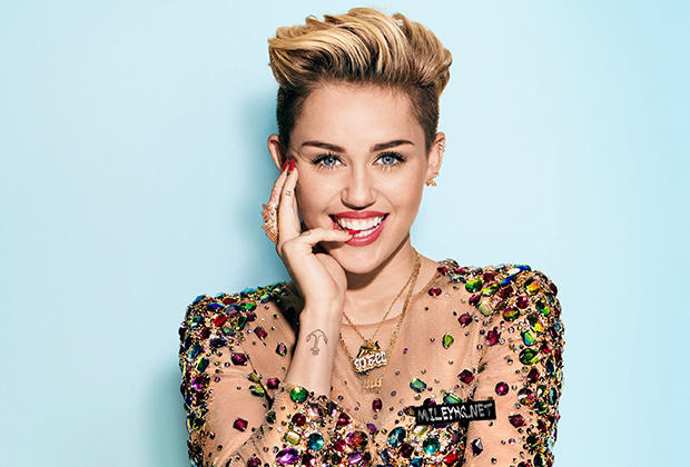miley_cyrus_83-widescreen_wallpapers