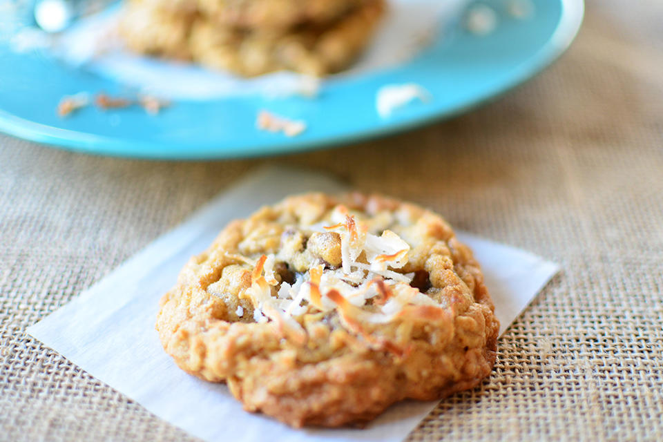 Toasted-Coconut-Oatmeal-Chocolate-Chip-Cookies