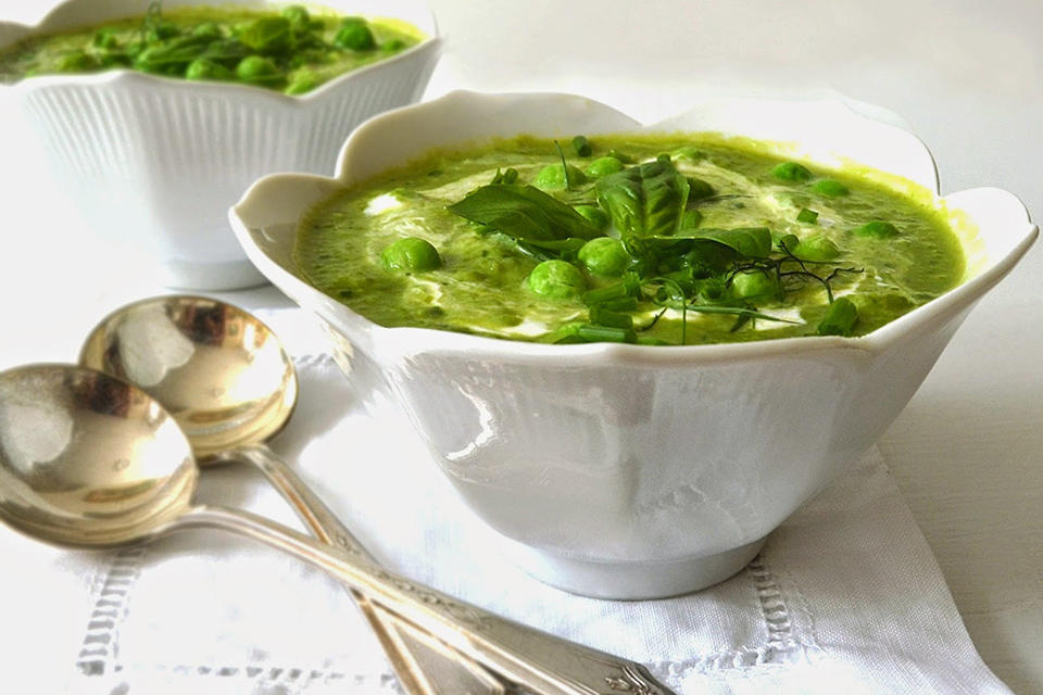fresh-pea-soup-with-basil-and-lime