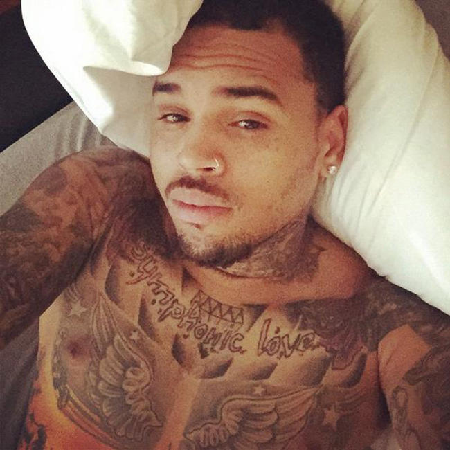 ChrisBrown-InBed