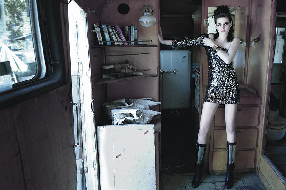 Kristen-Stewart-Yu-Tsai-Flaunt-2009-3