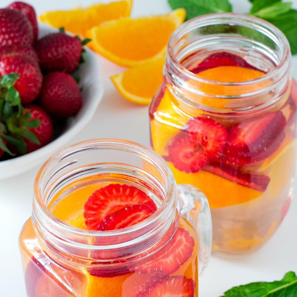 8 натуральных лимонадов, которые помогут пить больше воды