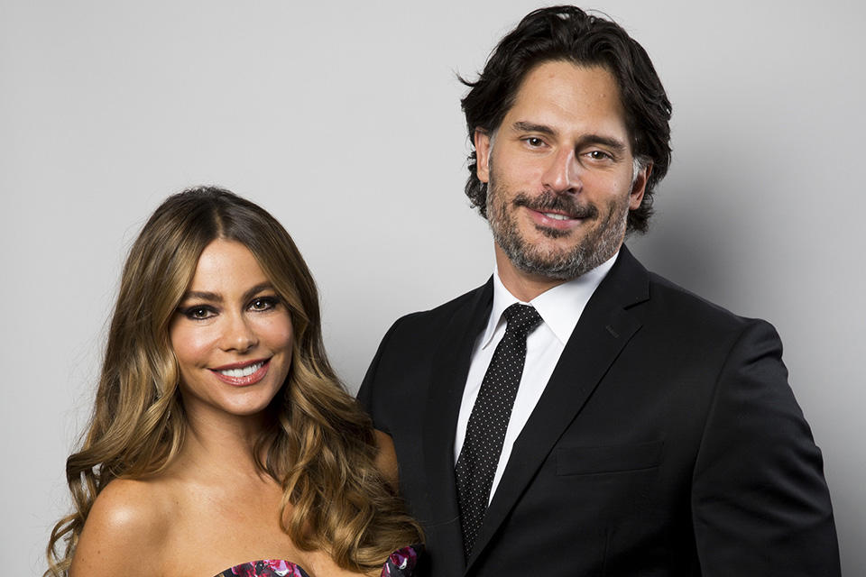 la-et-mg-sofia-vergara-joe-manganiello-engaged-20141229