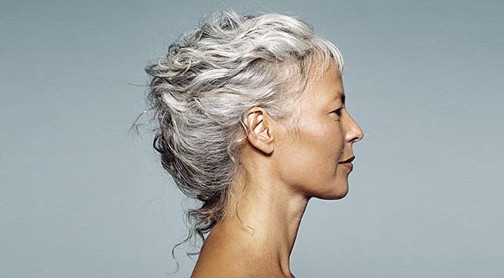 У людей седых волос значительно меньше, чем считалось ранее