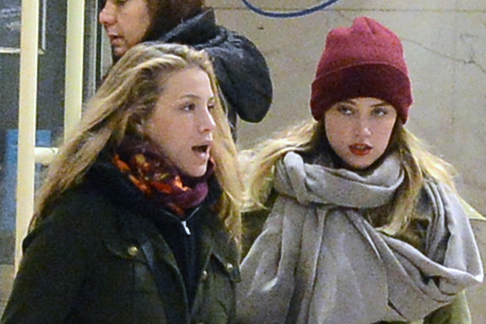 _January-17th-Shopping-with-Marie-De-Villepin-in-France-amber-heard-33429801-2000-2674