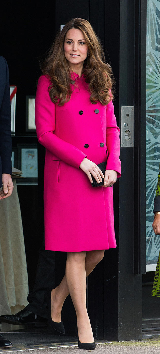 Kate-stepped-out-her-hot-pink-Mulberry-peacoat