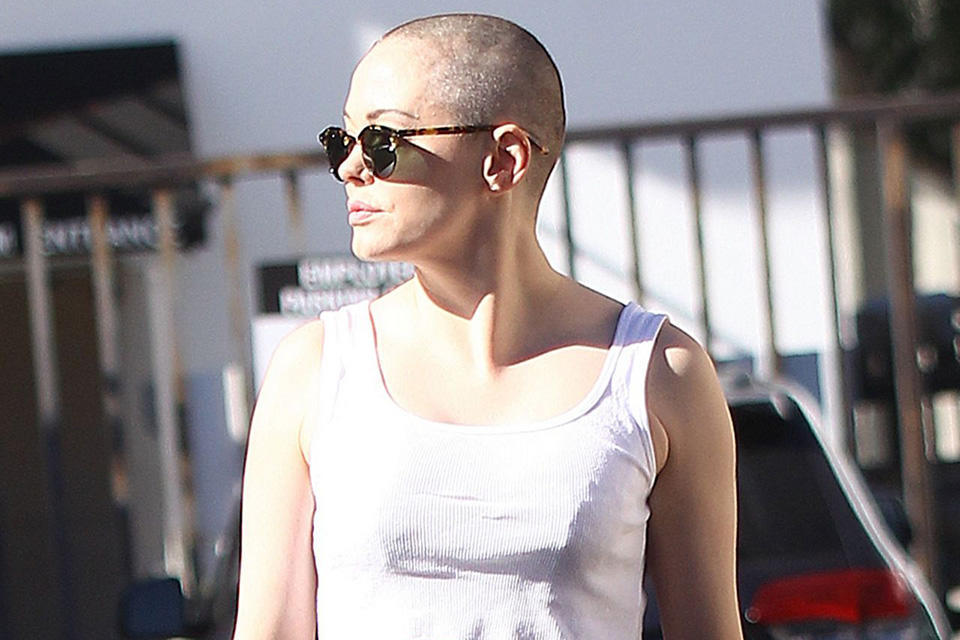rose-mcgowan-shows-off-her-new-bald-head-out-in-west-hollywood-november-2015_1