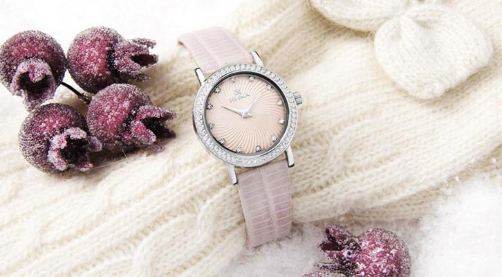 nika-watch