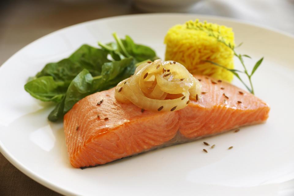 5 продуктов, которые помогут справиться с жировой прослойкой на животе