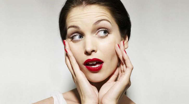 4 привычки, которые ускоряют появление морщин