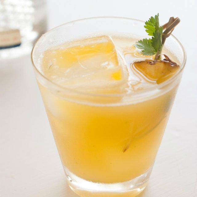 5 коктейлей с травами для весеннего детокса и хорошего настроения