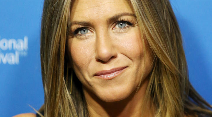 JenniferAniston-00