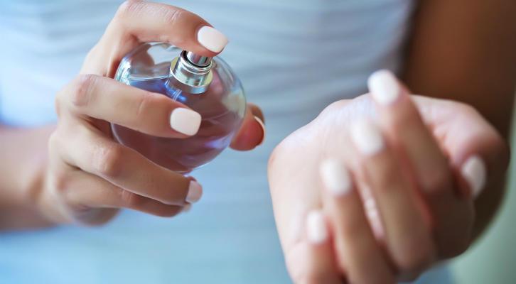 Как выбрать духи: 6 советов, которые помогут найти идеальный аромат