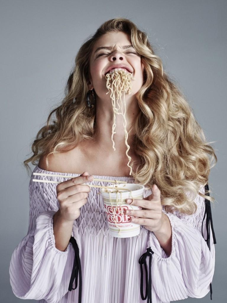 Nina-Agdal-CR-Fashion-Book-Food-2016-Photos02