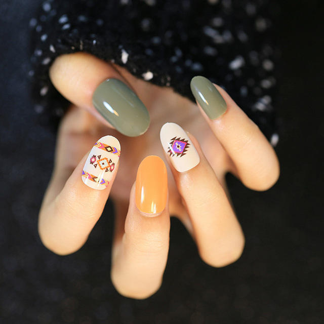 2016-New-Indian-pattern-fake-nail-Manicure-Full-Cover-National-style-False-Nails-round-head-nail.jpg_640x640