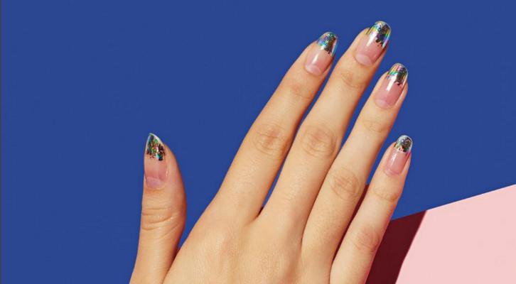 Цветной френч на ногтях – французский цветной маникюр с фото