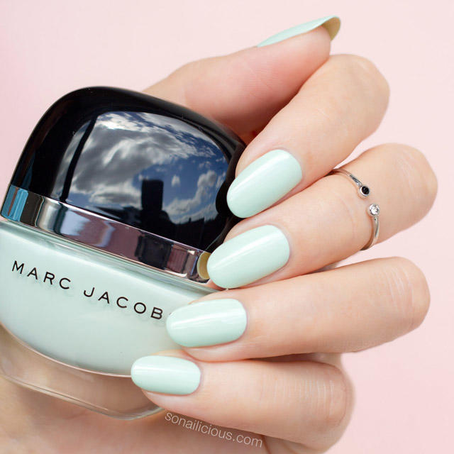 Marc-jacobs-good-friday-swatches-mint-nail-polish
