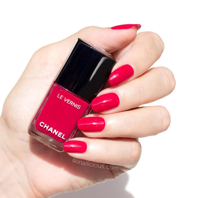chanel-le-vernis-polish-review-new-chanel-polish-swatches