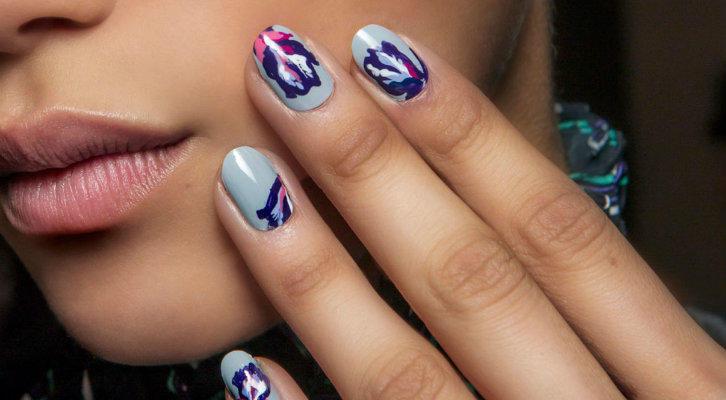 Однотонный маникюр – фото дизайна ногтей с однотонным рисунком title=