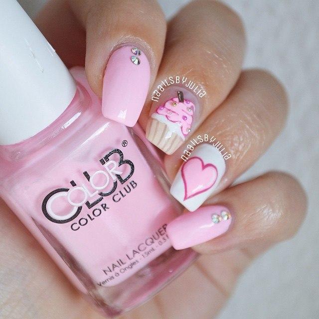 33-beautiful-heart-nails
