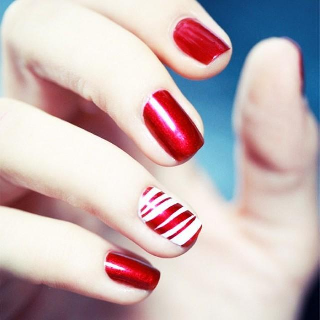 8-festive-manicures-that-arent-cheesy-1601479-1450391685.640x0c