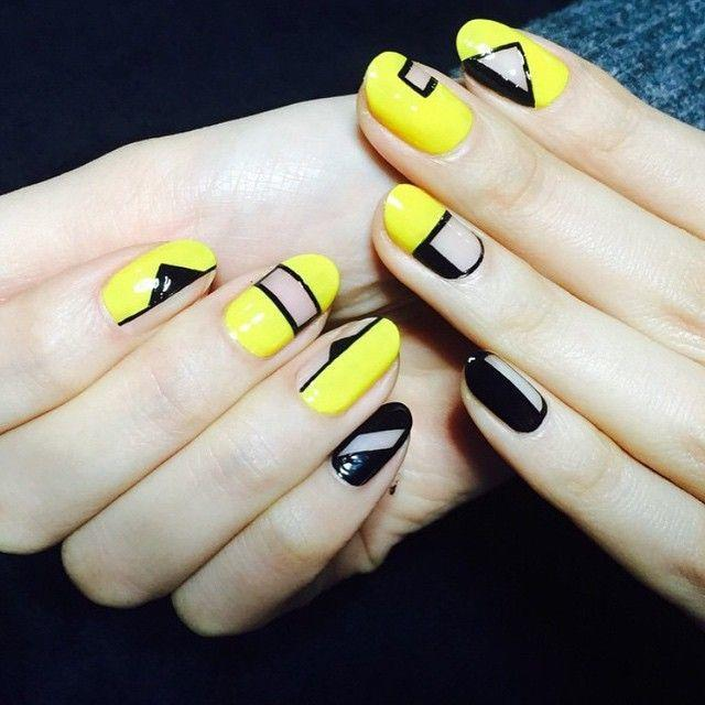 black-and-yellow-negative-space-nail-art