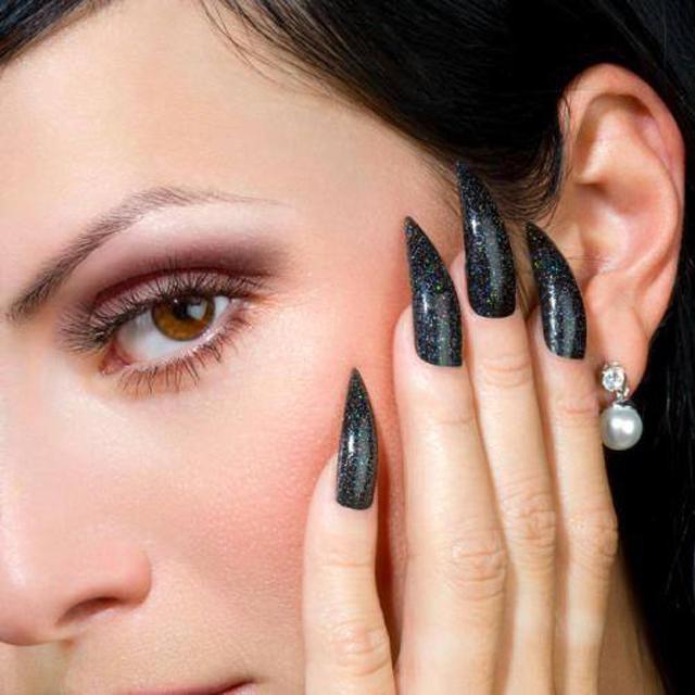 halloween-nails-black claw nails
