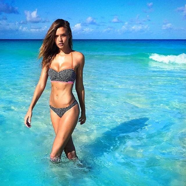 e0c473ae98_04-victorias-secret-models-beach-tips-josephineskriver