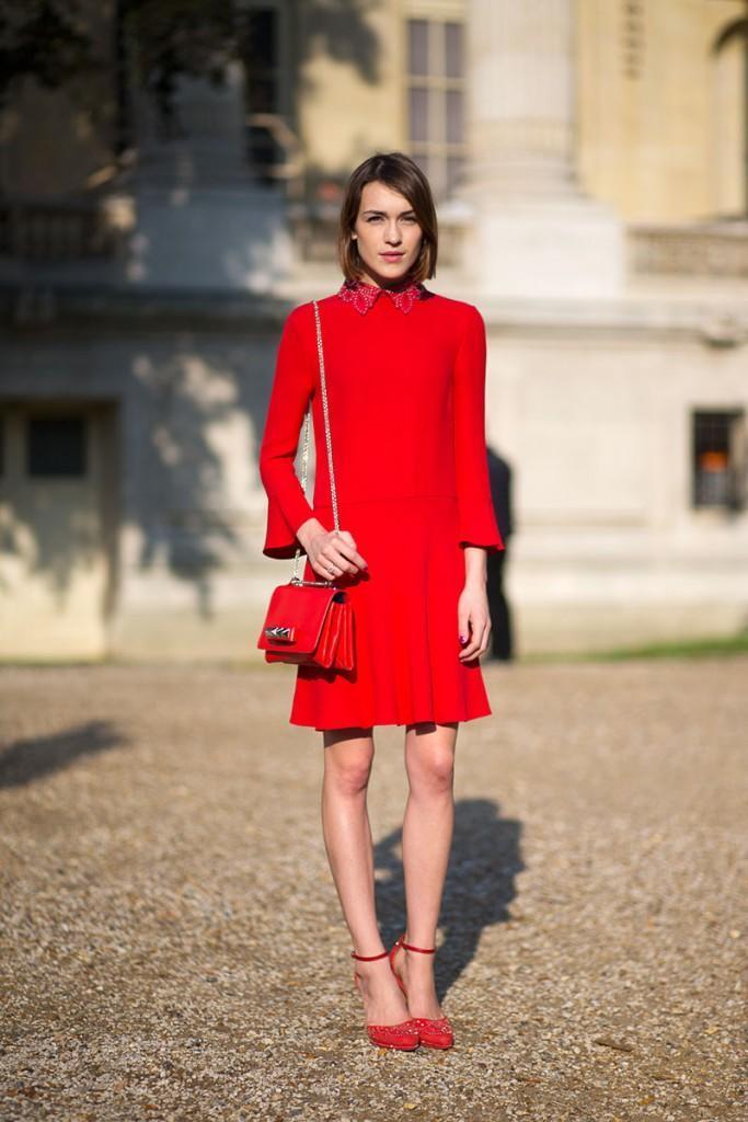 Красное платье – с чем носить красное платье?