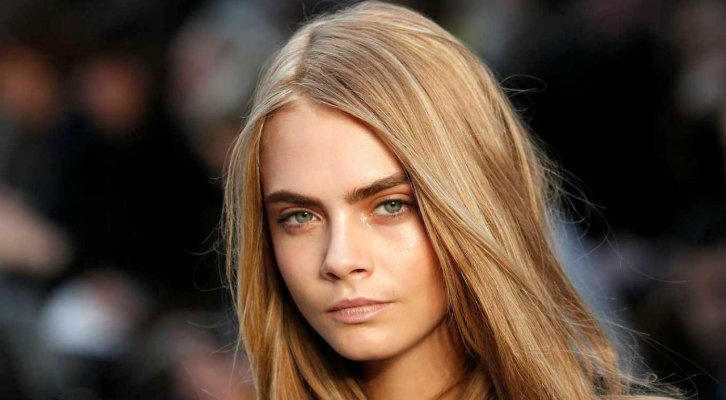 cara_delevingne_model_eyes_hair_85693_1280x1024