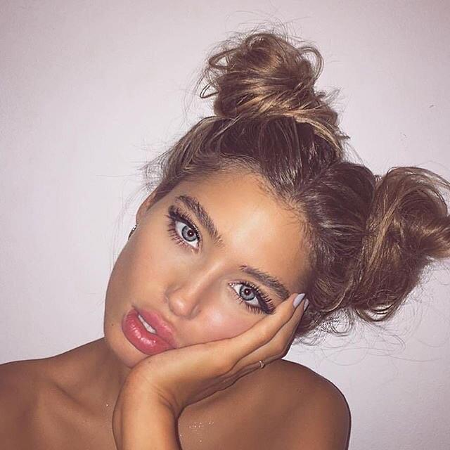 messy-twin-buns-hairstyle