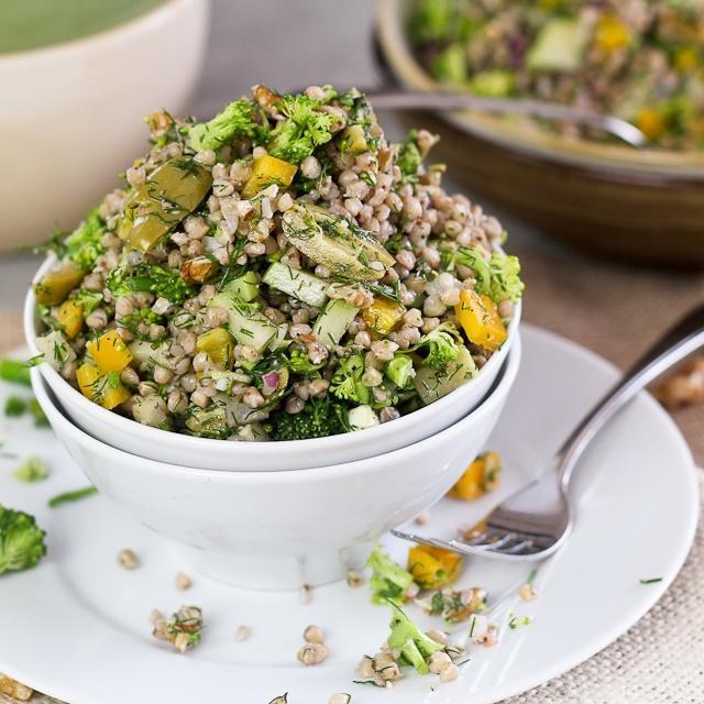 salat_iz_grechki_i_ovoshchey