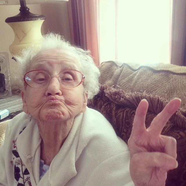 Подарок бабушке легко и просто